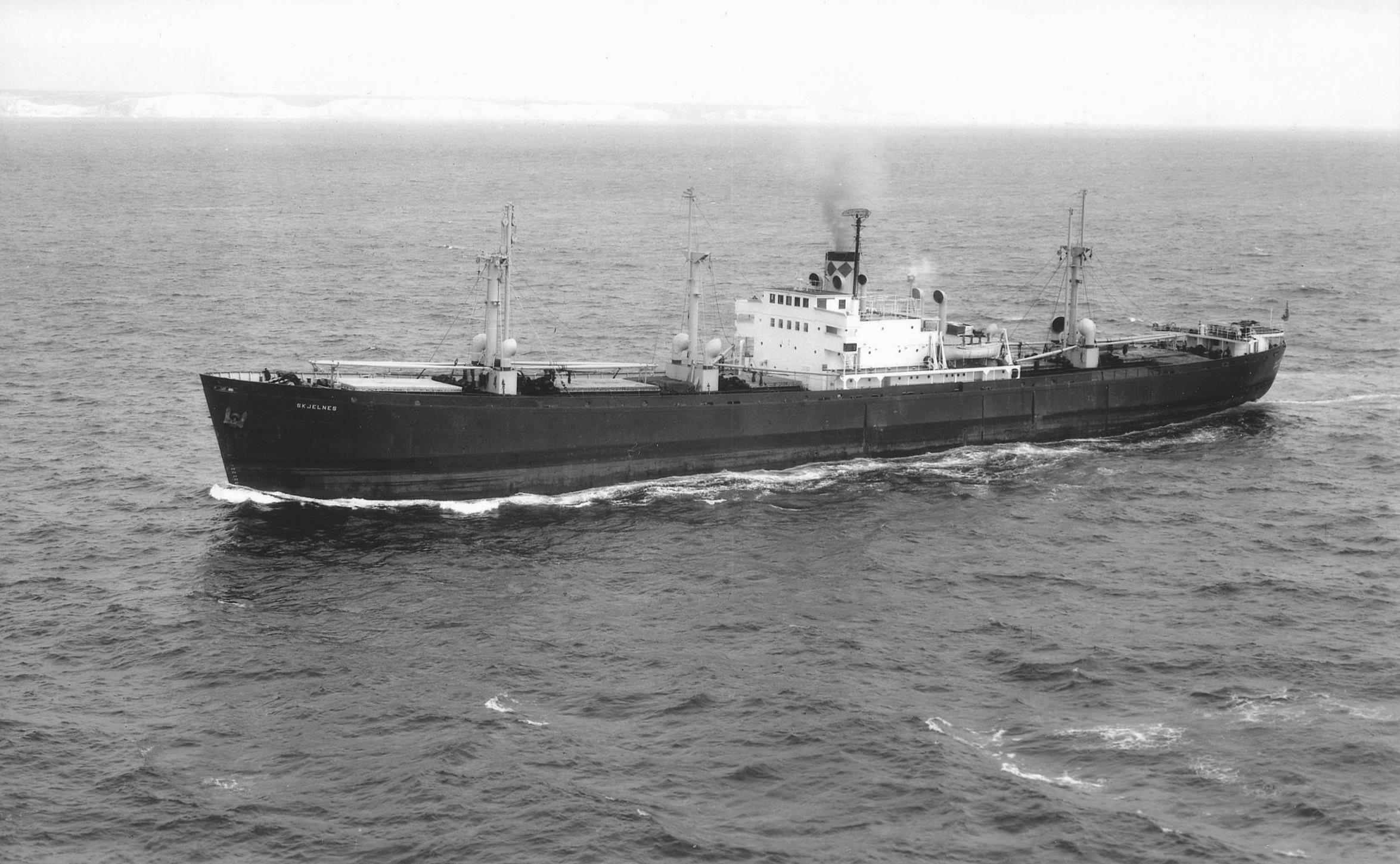 Skjelnes (1943)  Foto Skyfotos